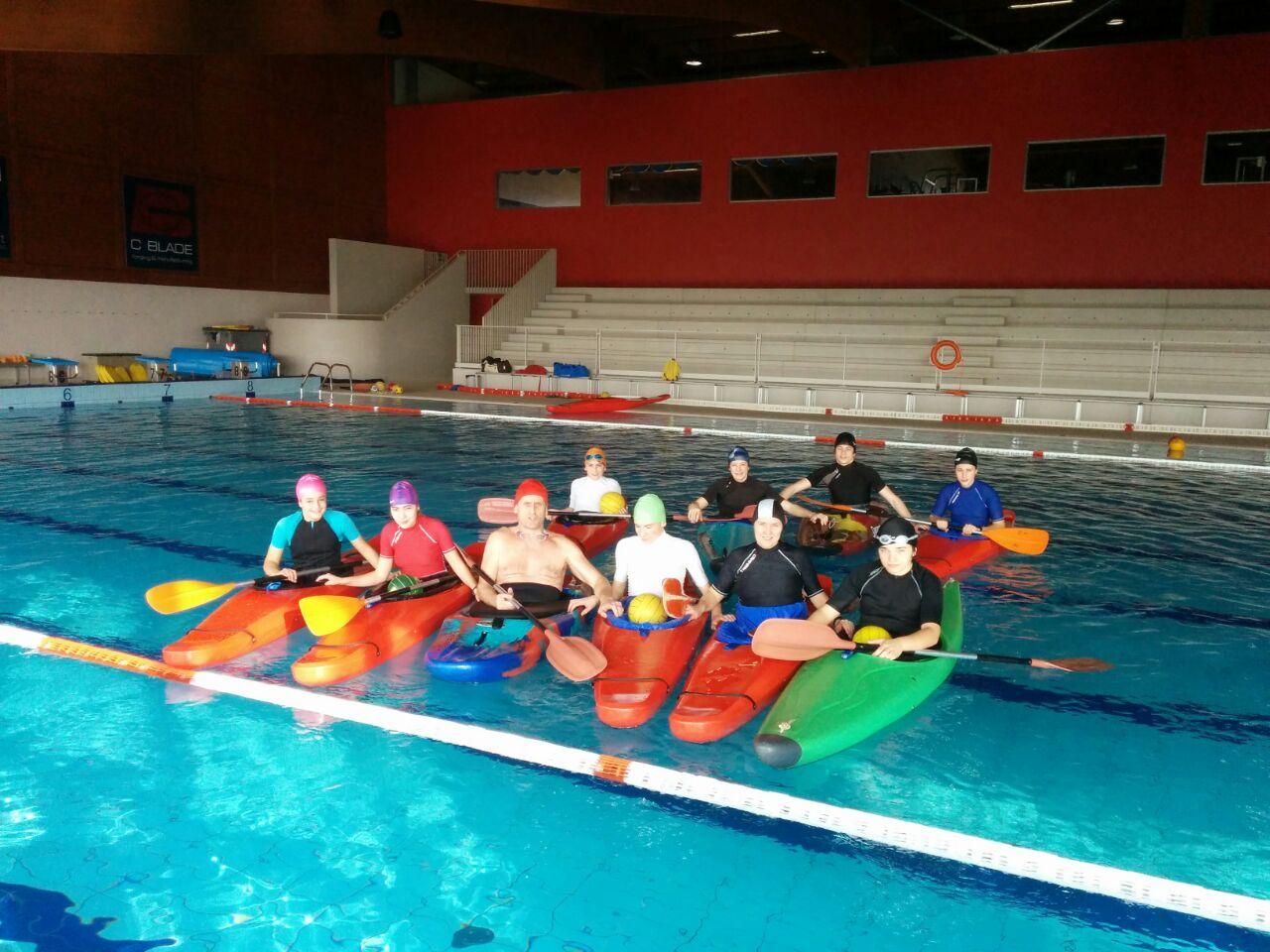 Canoa in piscina - Piscina di maniago ...